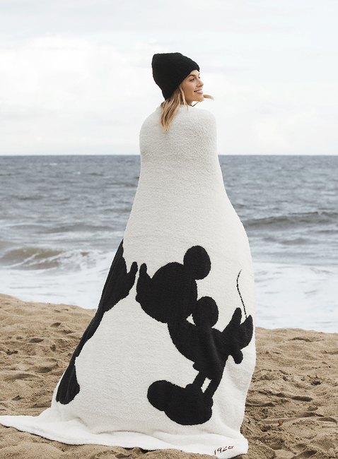 COZYCHIC® CLASSIC DISNEY MICKEY & MINNIE MOUSE THROW