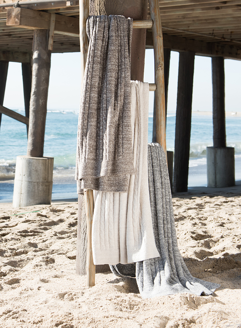 COZYCHIC LITE® HEATHERED CABLE BLANKET