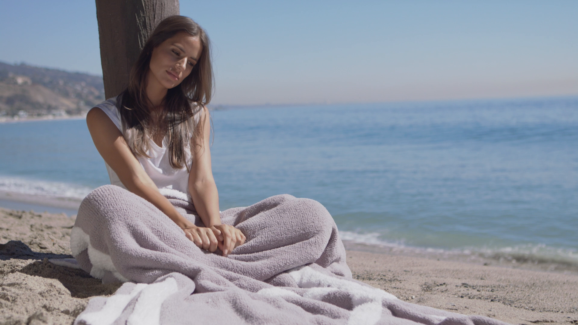Watch the CC Cozychic Starfish Blanket video